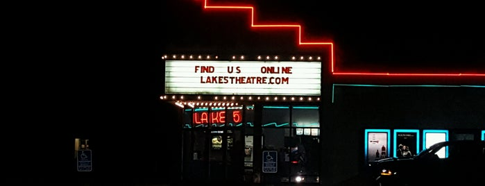 Lakes 5 Theater is one of Locais curtidos por Tanya.