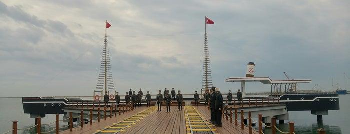 Samsun İlk Adım Anıtı is one of Samsun & Amasya.