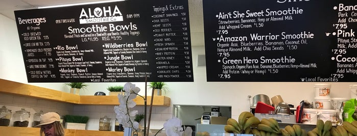 Aloha Smoothie Co. is one of Locais curtidos por Anna.
