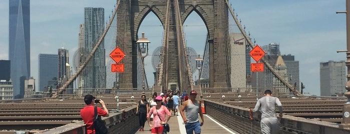 Brooklyn Bridge is one of Tempat yang Disukai S.