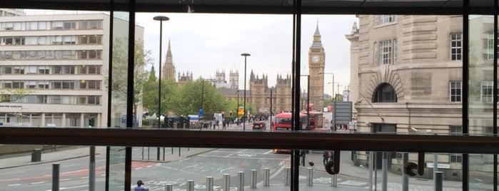 Park Plaza Westminster Bridge is one of Tempat yang Disukai S.