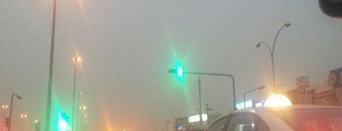 Khurais & Khalid Ibn Al-Walid Intersection is one of Posti che sono piaciuti a Norah.