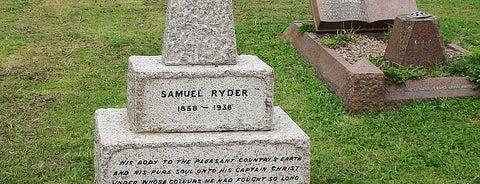 Hatfield Road Cemetery is one of Dead Famous People ☠.