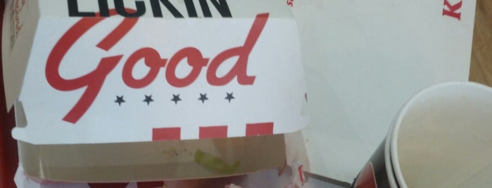KFC is one of สถานที่ที่ Carl ถูกใจ.