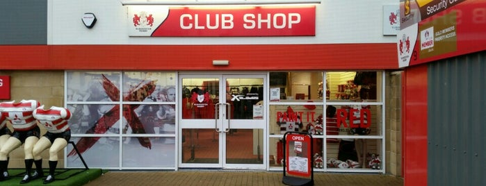 Gloucester Rugby Club Shop is one of Posti che sono piaciuti a Will.