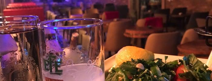 5arlo Bistro Cafe & Bar is one of สถานที่ที่ ✨💫GöZde💫✨ ถูกใจ.