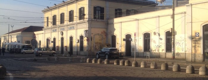 Piazzale Stazione Porta Genova is one of Federicaさんのお気に入りスポット.