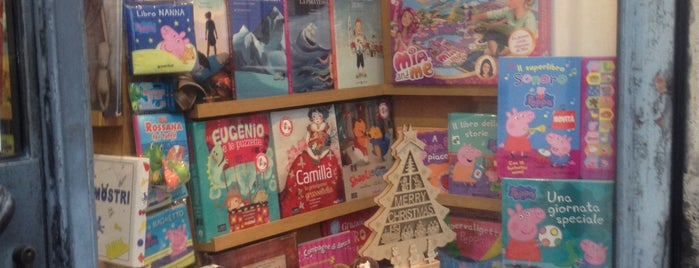 Libreria Latramite is one of Tempat yang Disimpan Vanessa.
