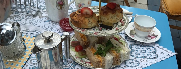 Just Grand Vintage Tearoom is one of Leeds/York.