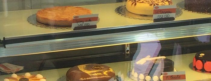 Voelker Bakery is one of Orte, die Marcus gefallen.