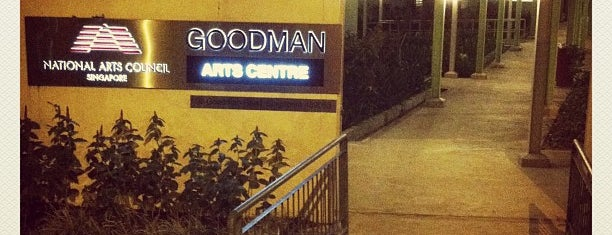 Goodman Arts Centre is one of Locais curtidos por cui.