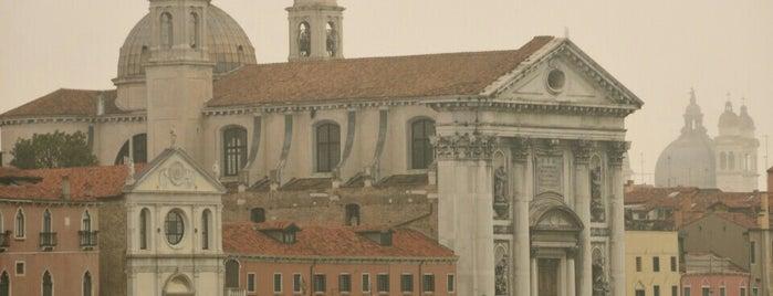 Statua Vittorio Emanuele II is one of Tempat yang Disimpan Katya.