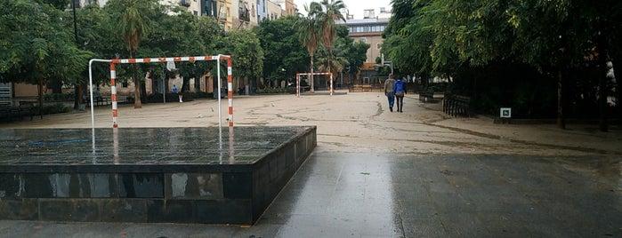 Forat De La Vergonya is one of Barcelona | Cultura e Arquitetura.