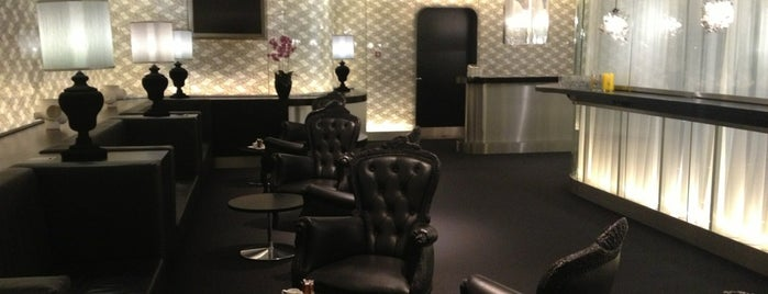 VIP Centre Schiphol is one of Back to Netherlands ♥.