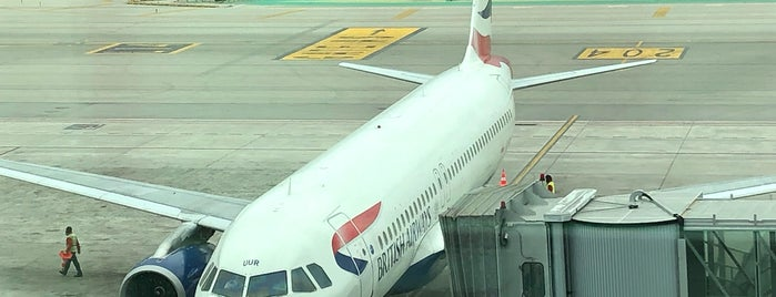 BA485 to London / British Airways is one of Bcn.