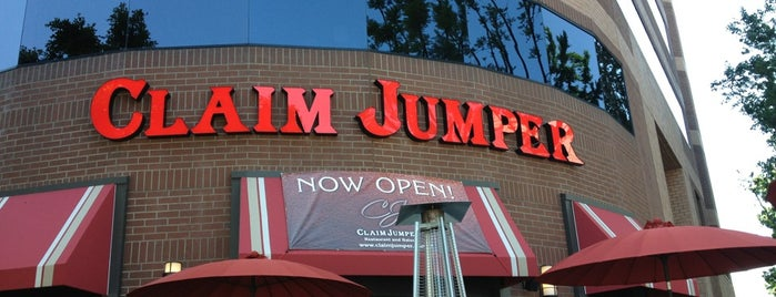 Claim Jumper is one of Places near Toluca Hills.