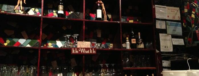 Twist A Tapas Cafe is one of สถานที่ที่บันทึกไว้ของ Joe.