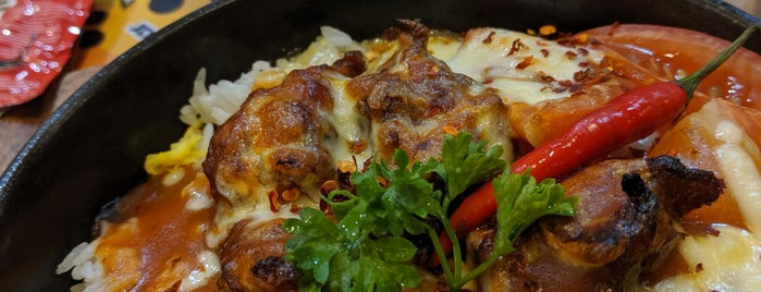 Hong Kong Kim Gary Restaurant (香港金加利茶餐廳) is one of Locais curtidos por Jeremy.