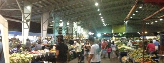 Feria Del Agricultor Alajuela is one of Tempat yang Disukai Sol.