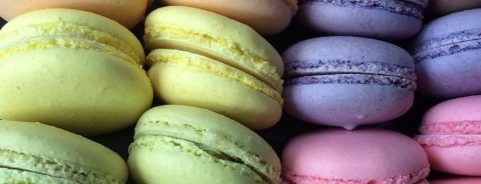 Bon Macaron is one of ʕ •ᴥ•ʔ II.