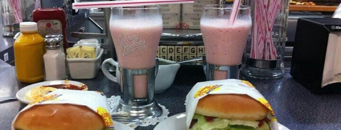 Johnny Rockets is one of Regresando a los 50st: DINERS.