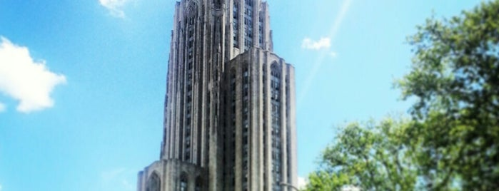 Cathedral of Learning is one of Tempat yang Disukai Julie.