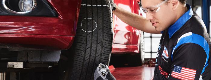 SpeeDee Oil Change & Auto Service is one of Locais curtidos por Michele.
