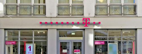Telekom Shop is one of Lugares guardados de Robert.