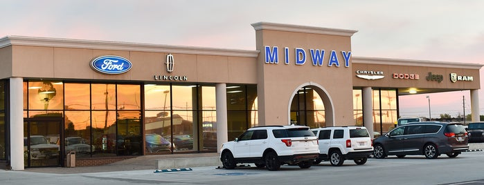 Midway Motors Ford Lincoln is one of Joshさんのお気に入りスポット.