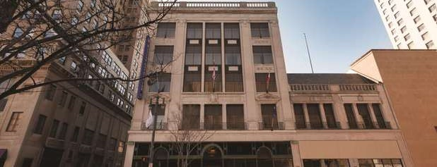 Hilton Garden Inn Rochester Downtown is one of Places I've stayed.