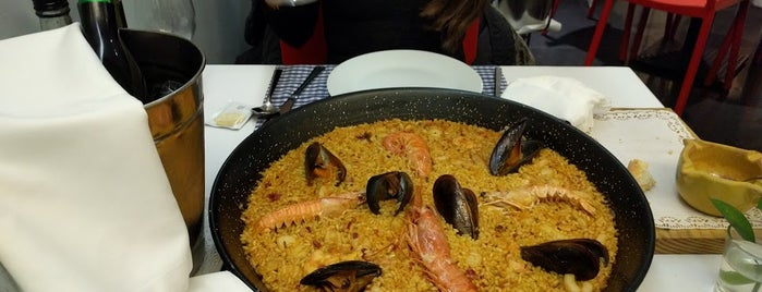 Escuela de Arroces y Paella Valenciana is one of Gespeicherte Orte von Beril.