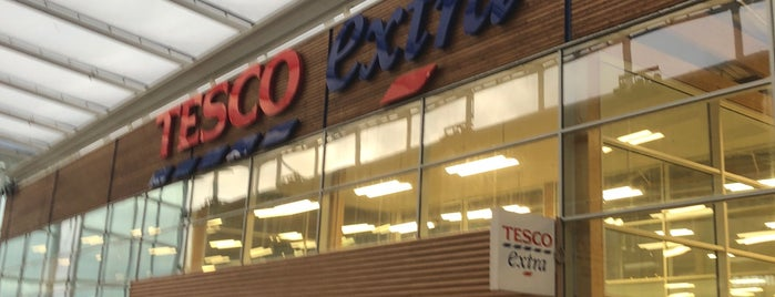Tesco Extra is one of Sanjeevさんのお気に入りスポット.