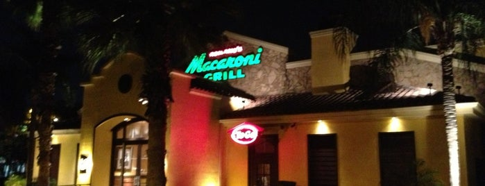 Macaroni Grill is one of Lugares favoritos de Fernando.