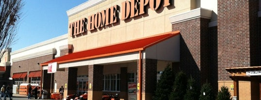 The Home Depot is one of Lugares favoritos de Kyle.