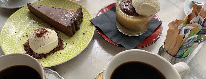 Cafe Roval is one of Locais salvos de 🦁.