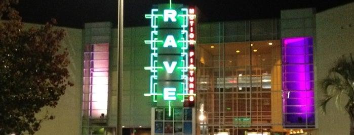 Carmike Cinemas is one of สถานที่ที่ Gavin ถูกใจ.