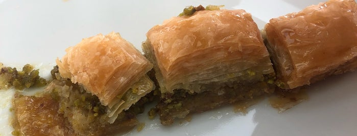 Baklavacı Hacıbaba is one of Locais salvos de 🆉🅴🆈🅽🅴🅻.