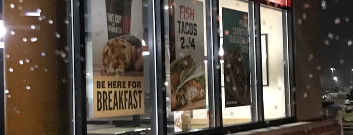 Taco John's is one of Lugares favoritos de Whitney.