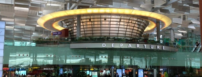 Terminal 3 is one of le 4sq with Donald :].