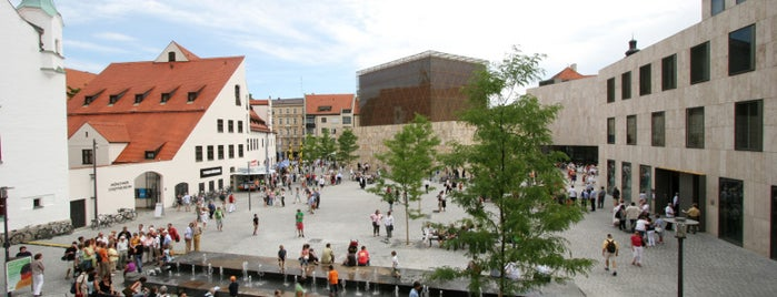 Sankt-Jakobs-Platz is one of Münchner Originale.