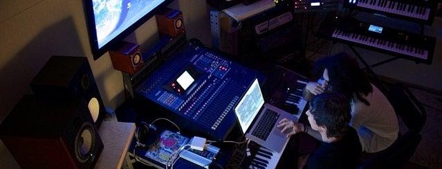 SweetMusicPro is one of VLADIMIR'ın Kaydettiği Mekanlar.