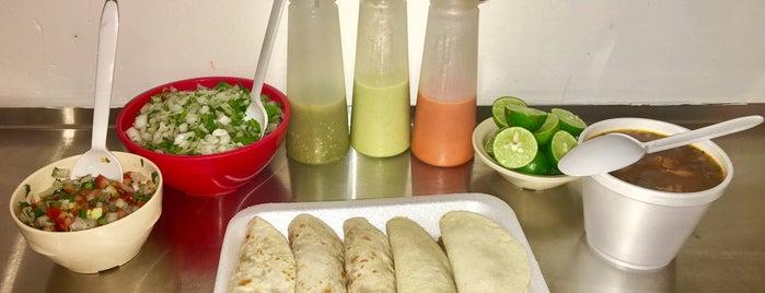 Los Loreto's Tacos & Grill is one of Tempat yang Disukai Ismael.