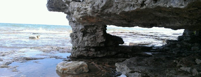 Cave Point County Park is one of Door county.