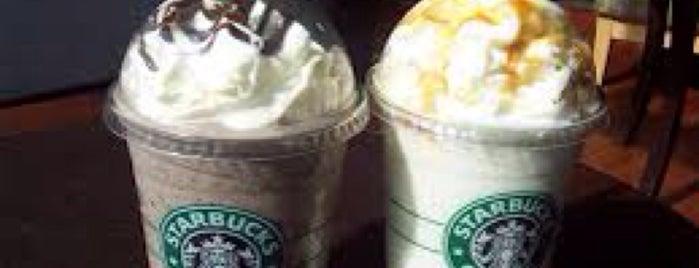 Starbucks is one of Lieux qui ont plu à Jennifer.