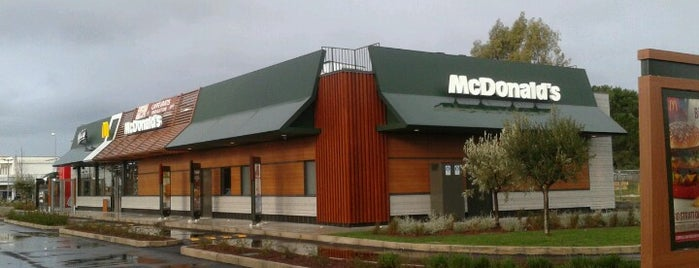 McDonald's is one of Tempat yang Disukai Officine Creative.