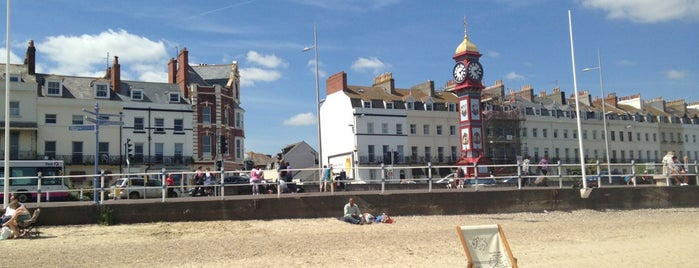Weymouth Beach is one of Yvie 님이 저장한 장소.