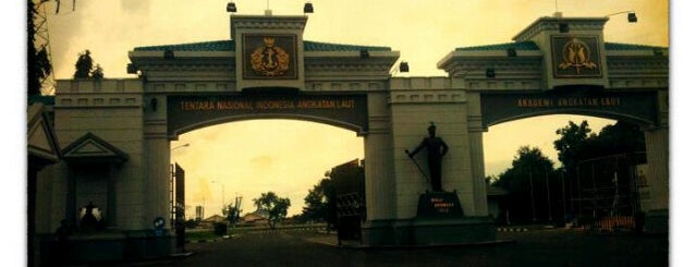 Akademi Angkatan Laut (AAL) is one of Government of Surabaya and East Java.