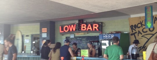Low Tide Bar is one of Lugares favoritos de Courtney.