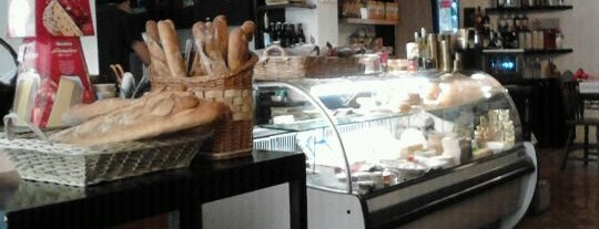 Galia gourmet is one of Los 10 Delis + delis.