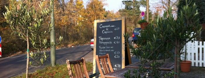 CoffeeCross - Espressobar & Deli is one of Lugares favoritos de Elisabeth.